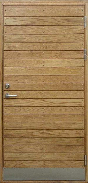 ytterdörr med liggande panel i ek